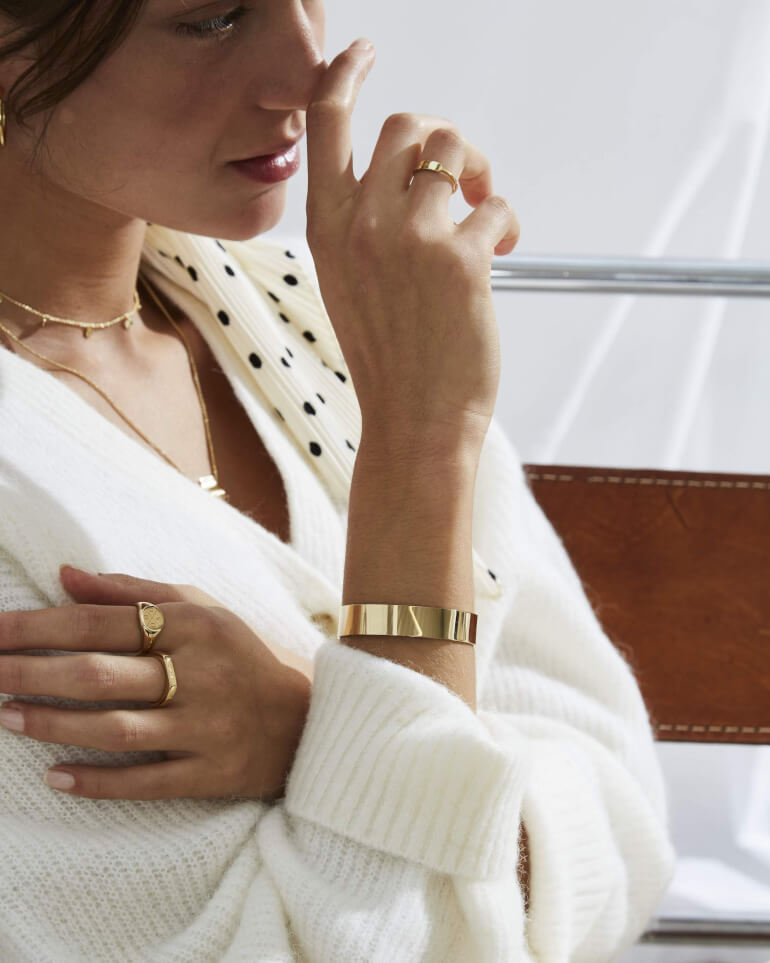náramek Lois Bar Bangle Gold